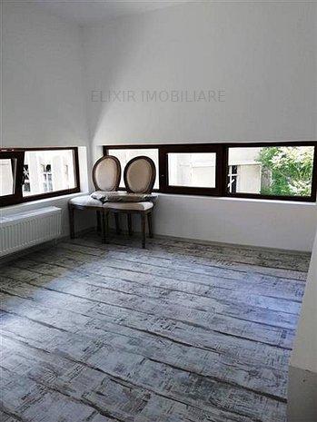 Inchiriere apartament doua camere in vila, complet renovat ultracentral! - imaginea 1
