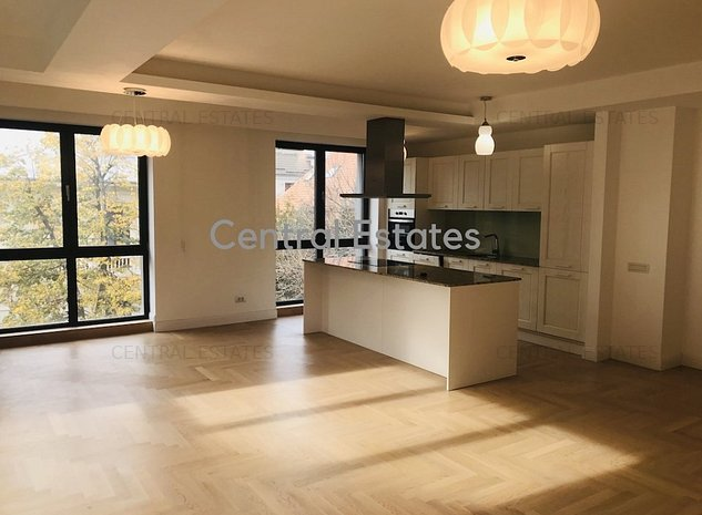 Apartament 3 camere lux in imobil nou zona Capitale, Centru - imaginea 1