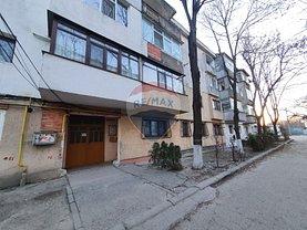 Apartament de vânzare 3 camere, în Focşani, zona Obor