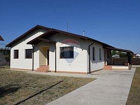 Casa de vânzare 4 camere, în Petresti
