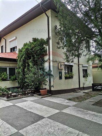 Casa / Vila cu 4 camere - imaginea 1