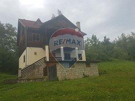 Casa de vânzare 4 camere, în Slanic-Moldova, zona Central