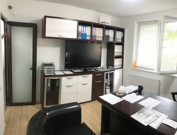 Inchiriere apartament 4 camere, et. 3, Zona Neacșu - imaginea 1