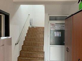Penthouse de vânzare sau de închiriat 4 camere, în Galati, zona Piata Centrala