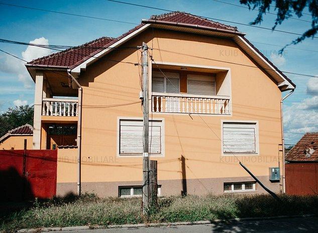 Vila D+P+E in Poltura cu teren 1058mp si 2 fronturi stradale - imaginea 1