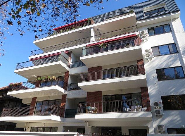 Aviatorilor - apartament cu 120 mp de gradina langa parc - imaginea 1