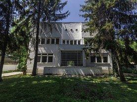 Casa de vânzare sau de închiriat 10 camere, în Bucureşti, zona Kiseleff