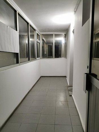 Cel mai mic preț! B-dul Tomis, 2 camere, pretabil birou/cabinet sau locuinta - imaginea 1