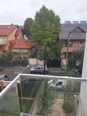 Apartament cu doua dormitoare, in imobil cochet - imaginea 1