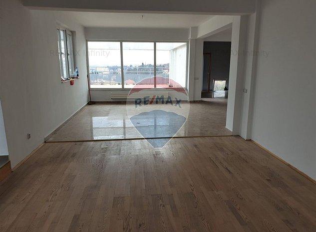Apartament pe 2 nivele cu 7 camere | De Vanzare | Zona Manastur - imaginea 1
