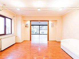 Casa de închiriat 10 camere, în Oradea, zona Central