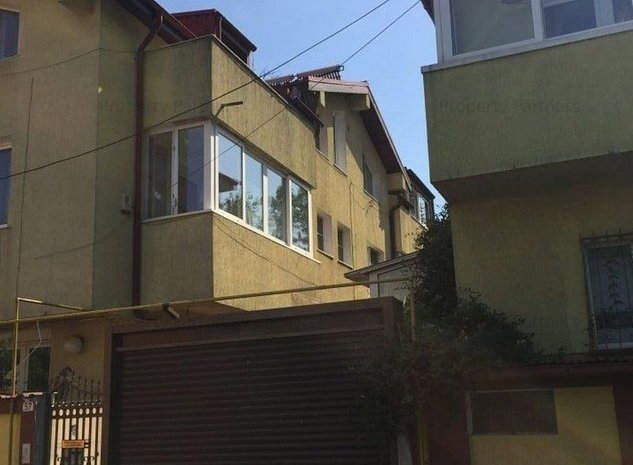 Vila Antiaeriana, acceptam schimb cu apartament + diferenta. - imaginea 1