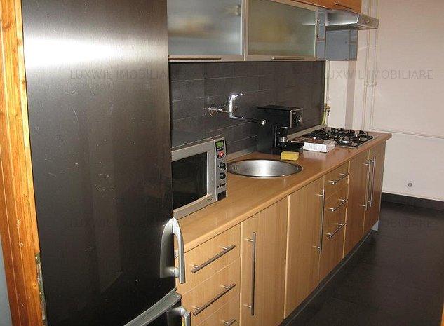 Închiriere apartament 3 camere zona Platinia  - imaginea 1