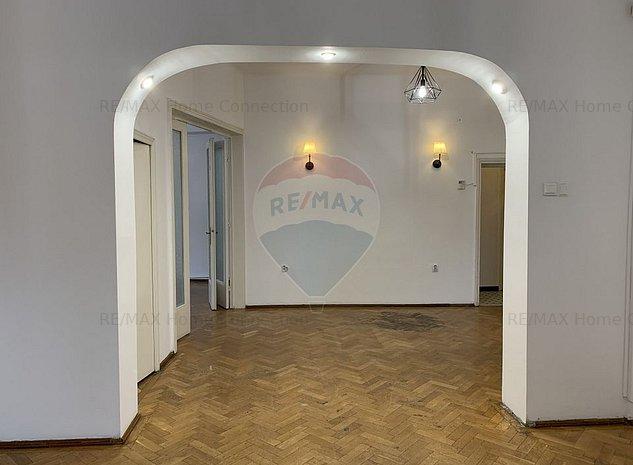 Apartament cu 5 camere de vanzare in zona Armeneasca - imaginea 1
