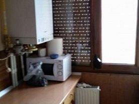 Apartament de vânzare 4 camere, în Galaţi, zona Micro 14
