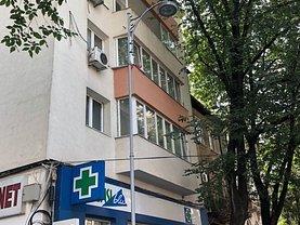 Apartament de vânzare 3 camere, în Bucuresti, zona Amzei
