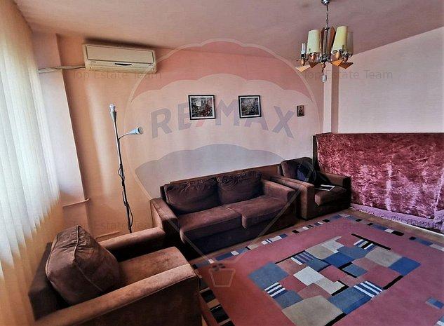 Apartament 3 camere de vanzare in zona Stefan cel Mare - imaginea 1