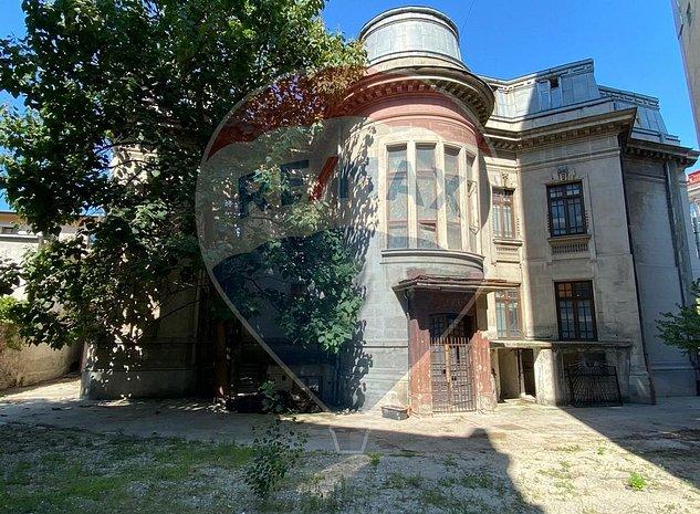 Vila cu arhitectura de vanzate, Parcul Cismigiu - imaginea 1