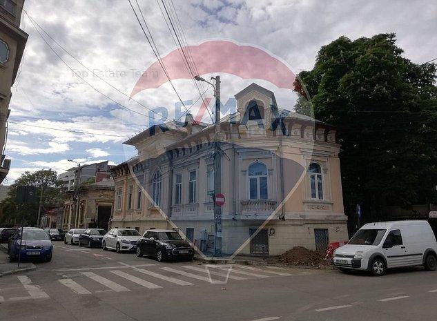 Casa / Vila cu 8 camere in zona Dacia-Vasile Lascar - imaginea 1