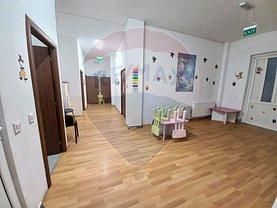 Casa de vânzare sau de închiriat 7 camere, în Roşu, zona Uverturii