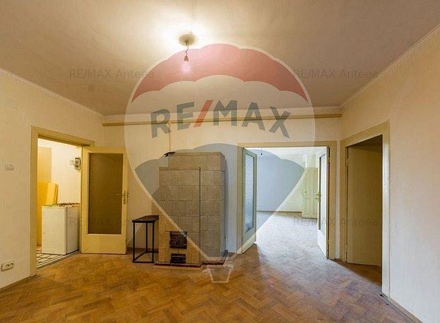 Apartament cu 5 camere in zona Mosilor - imaginea 1