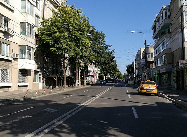 Centru,apartament 3 camere,parter stradal,ideal sp. comercial - imaginea 1