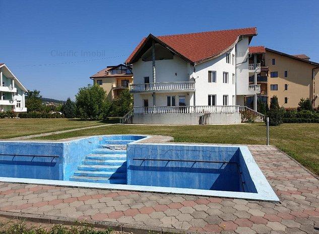 Casa Vila, cu 25 arii teren, pretabil orice destinatie - imaginea 1
