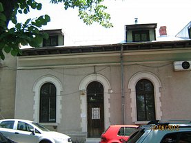 Casa de vânzare 4 camere, în Drobeta-Turnu Severin, zona Central