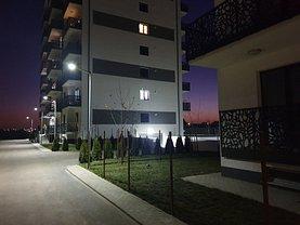 Apartament de vanzare 3 camere, în Bucureşti, zona Colentina