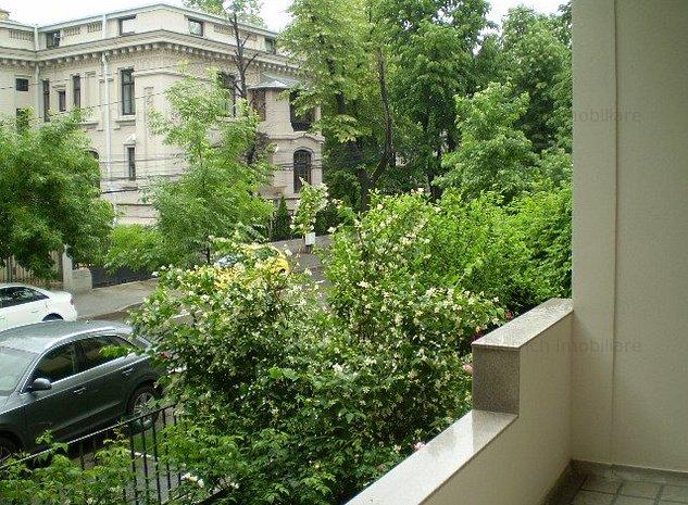 Inchiriere apartament 5 camere-Capitale, Dorobanti, cu curte de 400mp - imaginea 1