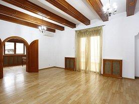 Casa de închiriat 7 camere, în Bucureşti, zona Primăverii