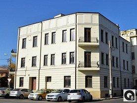 Casa de închiriat 20 camere, în Bucureşti, zona Tineretului