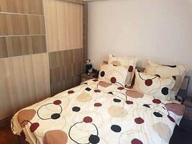 Apartament de vânzare 3 camere, în Bucureşti, zona Giurgiului