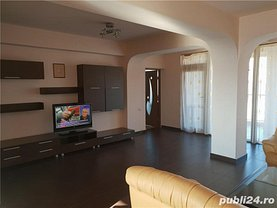Apartament de închiriat 5 camere, în Constanţa, zona Delfinariu