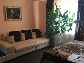 Casa de închiriat 8 camere, în Pitesti, zona Prundu