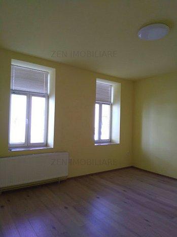 Casă/Spaţiu birouri, 3 camere, 120mp, Curte Comună, str Petofi Sandor, Centru - imaginea 1
