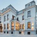Casa de închiriat 10 camere, în Bucureşti, zona P-ţa Victoriei