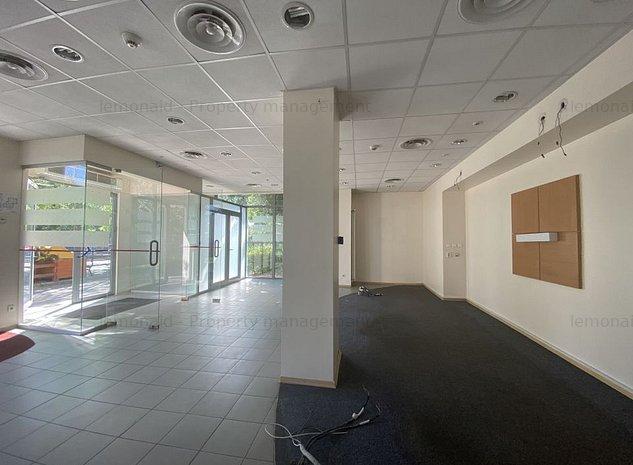 Spatiu comercial / birouri - fost sediu banca - imaginea 1