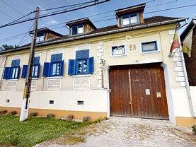 Casa de vânzare 7 camere, în Saschiz