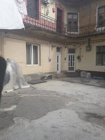 Apartament de vanzare Traian , curte comuna. - imaginea 1
