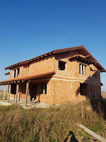 Vila la rosu - Sacalaz - imaginea 1