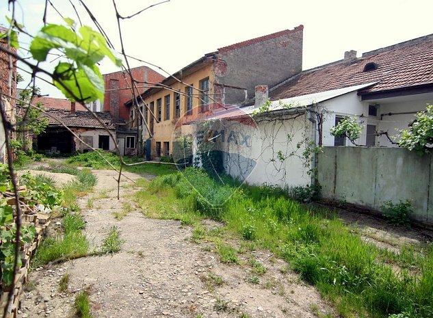 SAD situat in zona Odobescu cu 555 mp teren in proprietate - imaginea 1