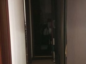 Apartament de vânzare 4 camere, în Bucureşti, zona Nerva Traian