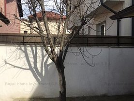 Casa de închiriat 3 camere, în Bragadiru, zona Central