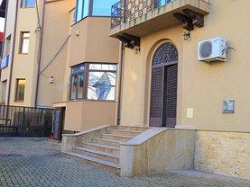 Casa de vânzare sau de închiriat 15 camere, în Ploiesti, zona Central