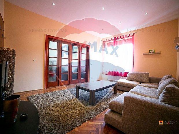 Apartament cu 3 camere de vanzare in zona Ultracentral - imaginea 1