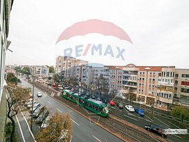 Apartament de vânzare 3 camere, în Arad, zona Bancilor