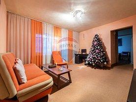 Apartament de vânzare 3 camere, în Arad, zona Micalaca
