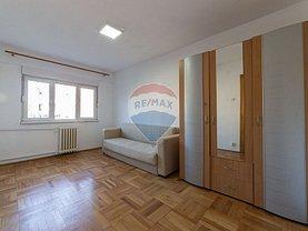 Apartament de vânzare 4 camere, în Arad, zona Funcţionarilor