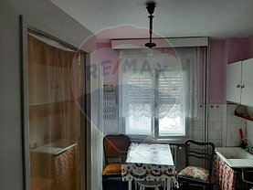 Apartament de vânzare 2 camere, în Arad, zona P-ţa Gării